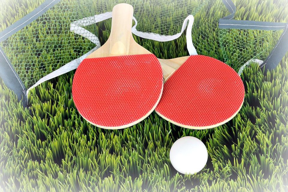 Un mini-set de ping-pong, on peut désormais jouer partout, merci Père Noël !