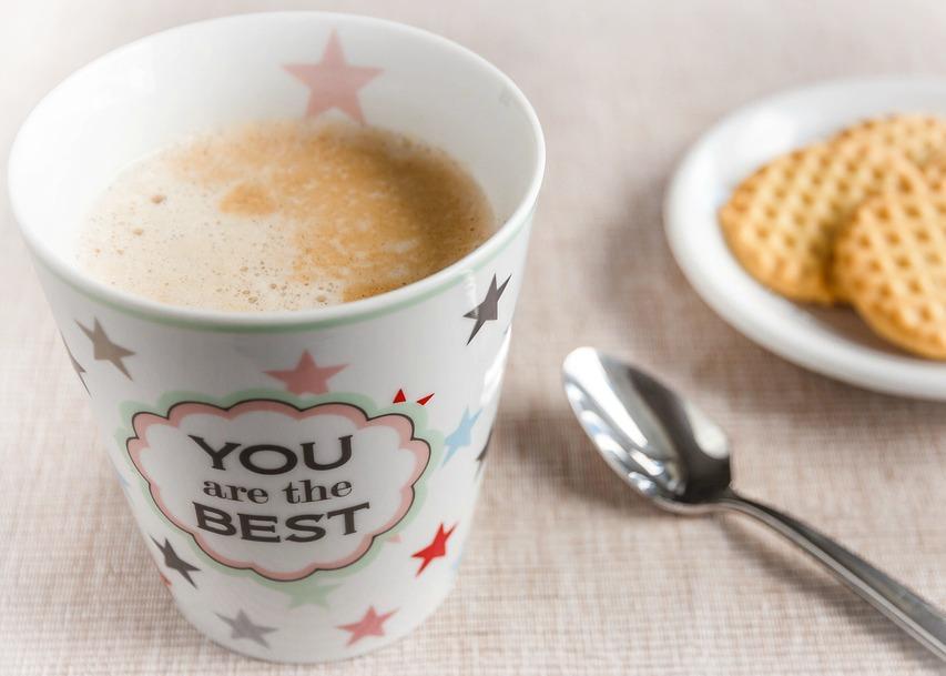 Un petit message personnalisé sur son café, ça motive dès le matin !